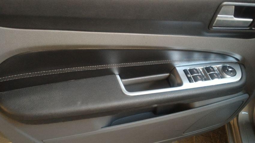 Ford Focus Hatch Ghia 2.0 16V Duratec (Aut) - Foto #5