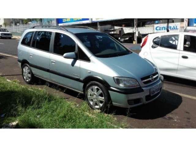 Chevrolet Zafira Elegance 2.0 (Flex) - Foto #1