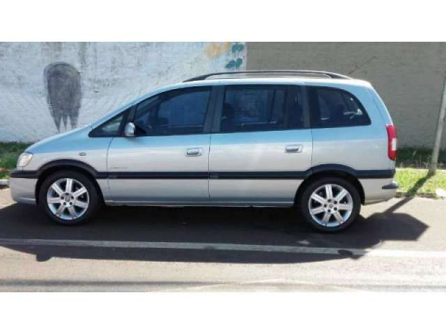 Chevrolet Zafira Elegance 2.0 (Flex) - Foto #5