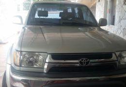 Toyota Hilux SW4 4x4 3.0 Turbo