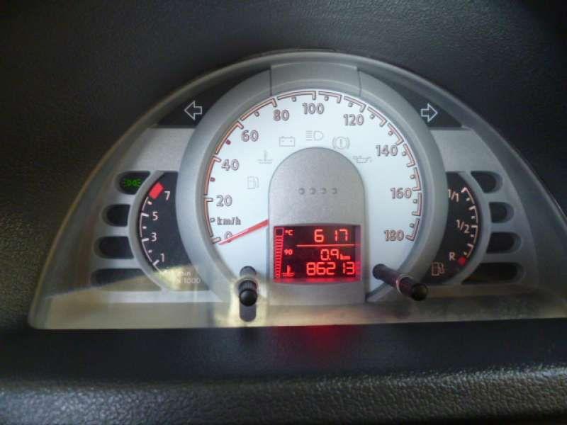 Volkswagen Gol Trend 1.0 (G4) (Flex) - Foto #9