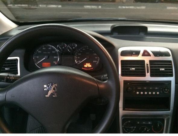 Peugeot 307 SW Allure 2.0 16V (aut) - Foto #3