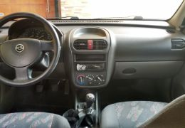 Chevrolet Corsa Sedan Joy 1.0