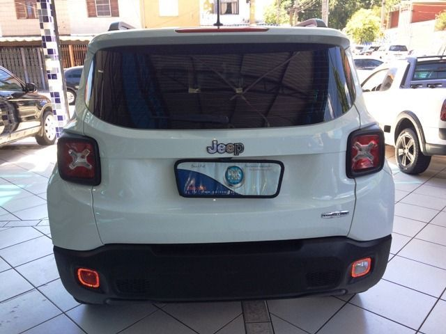 Jeep Renegade Limited 1.8 Flex - Foto #10