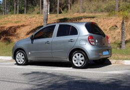 Nissan March 1.0 16V Rio 2016 (Flex)