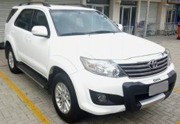 Toyota Hilux SW4 2.7 Flex 4x2 SR (Aut)
