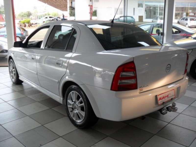 Chevrolet Astra Sedan 1.8 8V - Foto #3