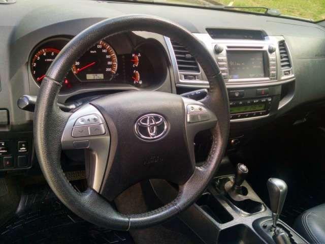 Toyota Hilux 3.0 TDI 4x4 CD SRV Top (Aut) - Foto #5