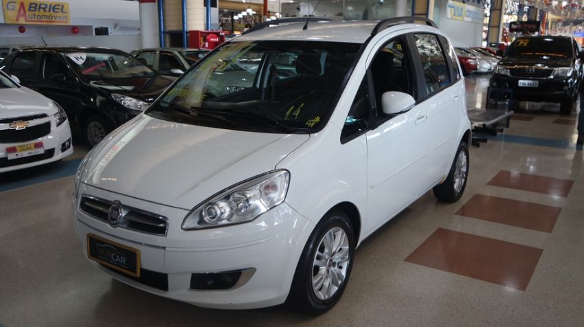 Fiat Idea 1.4 MPi Attractive 8v - Foto #2