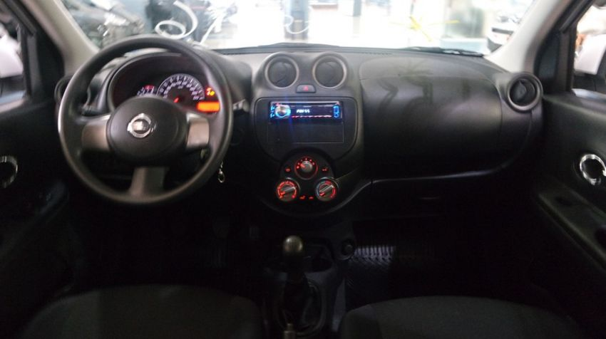 Nissan March 1.6 S 16v - Foto #6