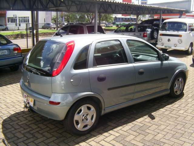Chevrolet Corsa Hatch 1.0 8V - Foto #6