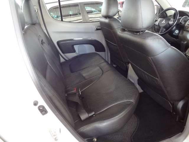 Mitsubishi L200 Triton 3.5 V6 (Flex) (Aut) - Foto #5