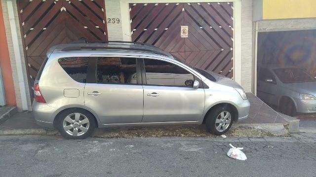 Nissan Livina SL 1.8 16V aut. (flex) - Foto #2