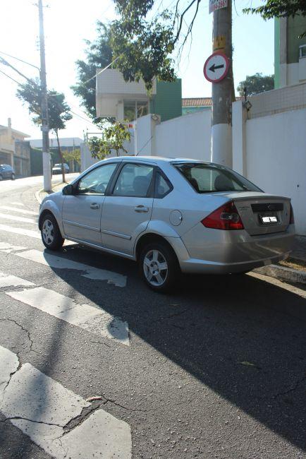 Ford Fiesta Sedan 1.0 - Foto #5