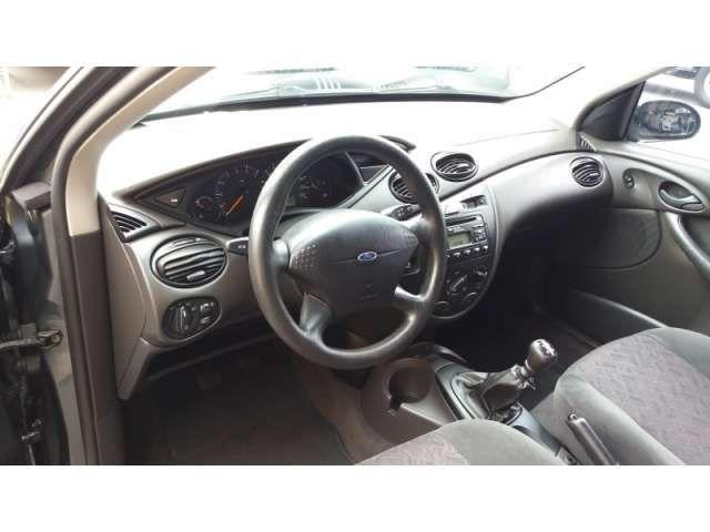 Ford Focus Sedan 2.0 16V - Foto #4
