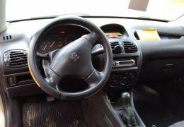 Peugeot 206 Hatch. Presence 1.4 8V 2p
