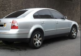 Volkswagen Passat 2.8 V6 30V (Tiptronic)