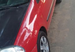 Renault Clio Hatch. Authentique Plus 1.0 8V