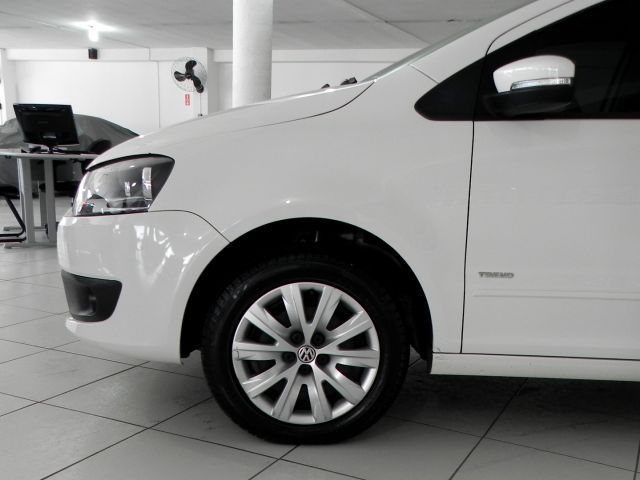Volkswagen Fox 1.0 Mi 8V Total Flex - Foto #5