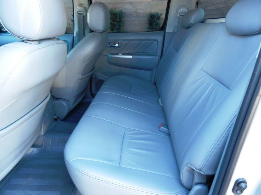 Toyota Hilux 3.0 TDI 4x4 CD SRV Top (Aut) - Foto #2