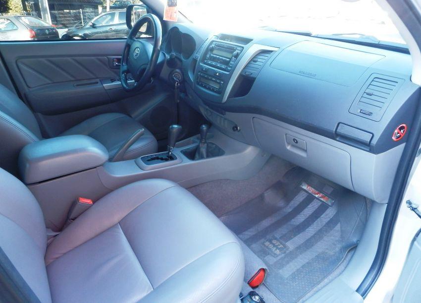 Toyota Hilux 3.0 TDI 4x4 CD SRV Top (Aut) - Foto #4