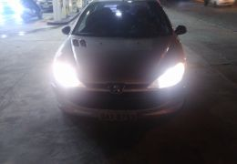 Peugeot 206 Hatch. Quiksilver 1.0 16V