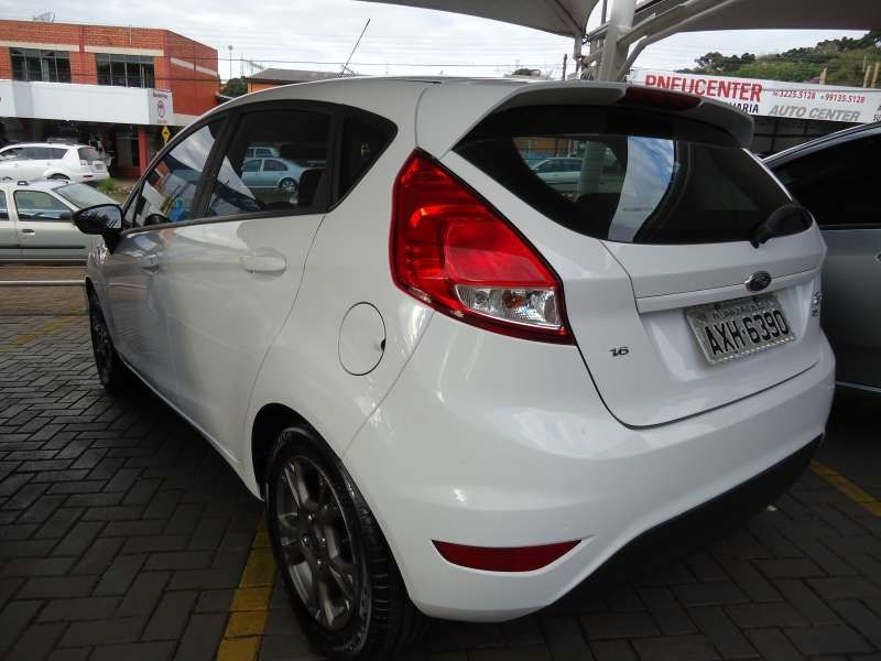 Ford Fiesta Hatch SE Plus 1.6 RoCam (Flex) - Foto #3