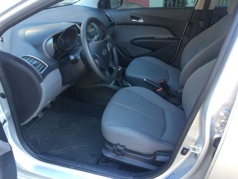Hyundai HB20 1.6 S Comfort Plus - Foto #5
