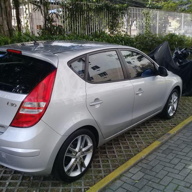 Hyundai i30 GLS 2.0 16V - Foto #1