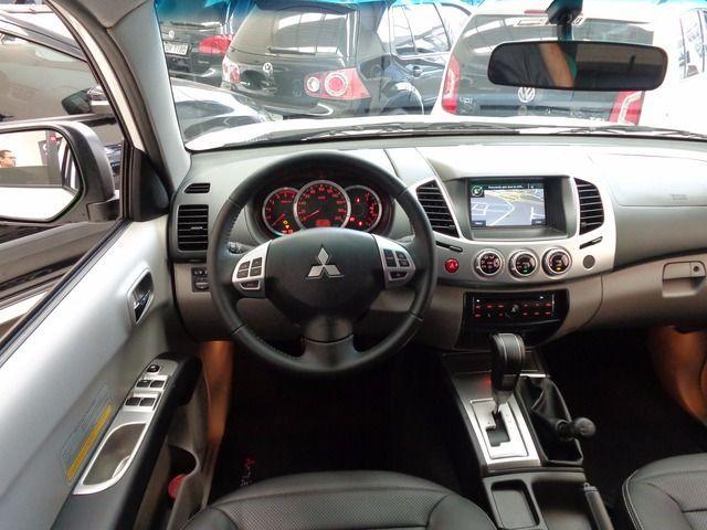 Mitsubishi L200 Triton 4X4 Cabine Dupla 3.2 Turbo Intercooler 16V - Foto #3