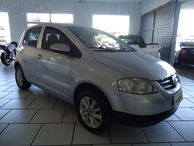 Volkswagen Fox Plus 1.6 8V - Foto #1