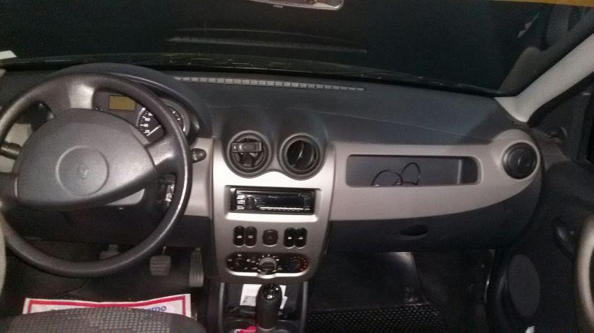 Renault Sandero Expression 1.6 8V - Foto #8