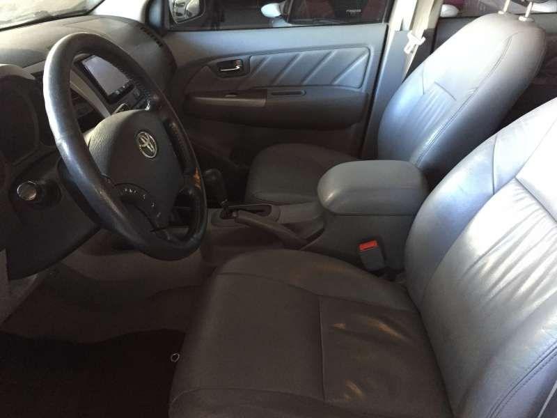 Toyota Hilux 3.0 TDI 4x4 CD SRV Top (Aut) - Foto #8