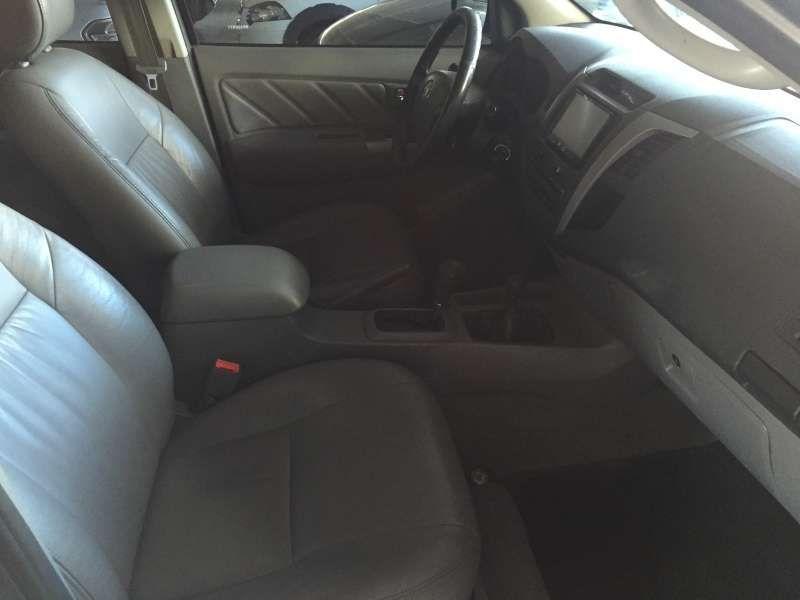 Toyota Hilux 3.0 TDI 4x4 CD SRV Top (Aut) - Foto #10