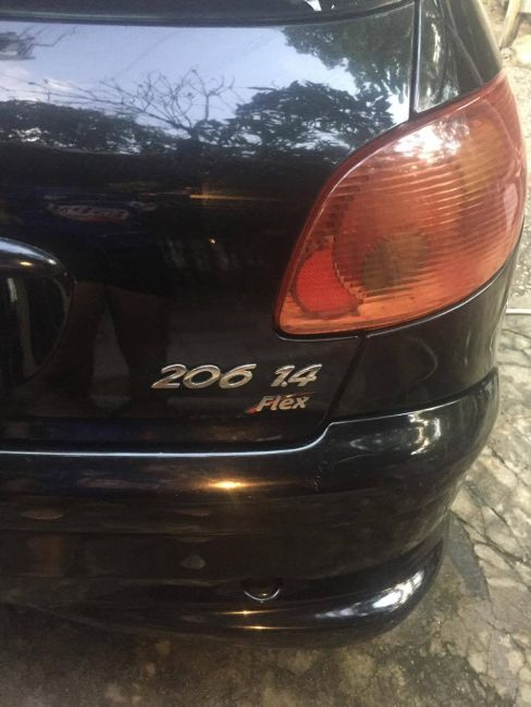 Peugeot 206 Hatch. Feline 1.4 8V (flex) - Foto #1