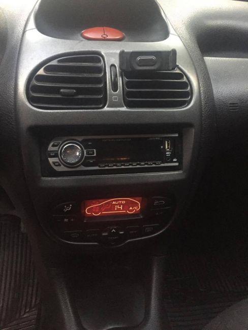 Peugeot 206 Hatch. Feline 1.4 8V (flex) - Foto #4