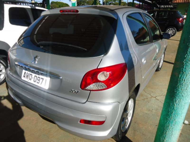 Peugeot 207 Hatch XR 1.4 8V (flex) 4p - Foto #4