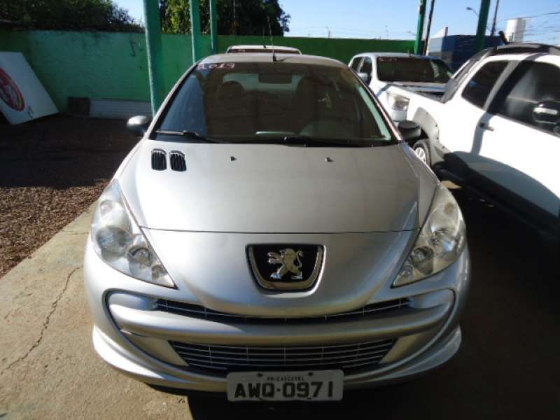 Peugeot 207 Hatch XR 1.4 8V (flex) 4p - Foto #8
