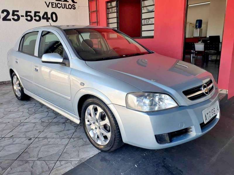 Chevrolet Astra Hatch 2.0 (Flex) - Foto #1