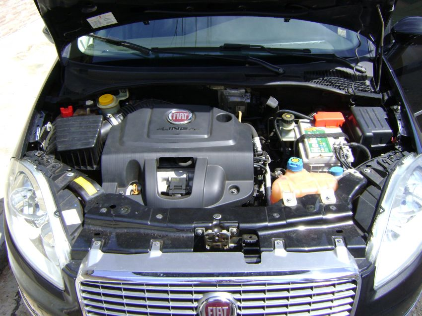 Fiat Linea 1.9 16V (Flex) - Foto #1