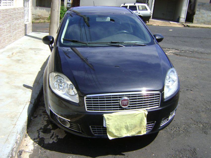 Fiat Linea 1.9 16V (Flex) - Foto #6
