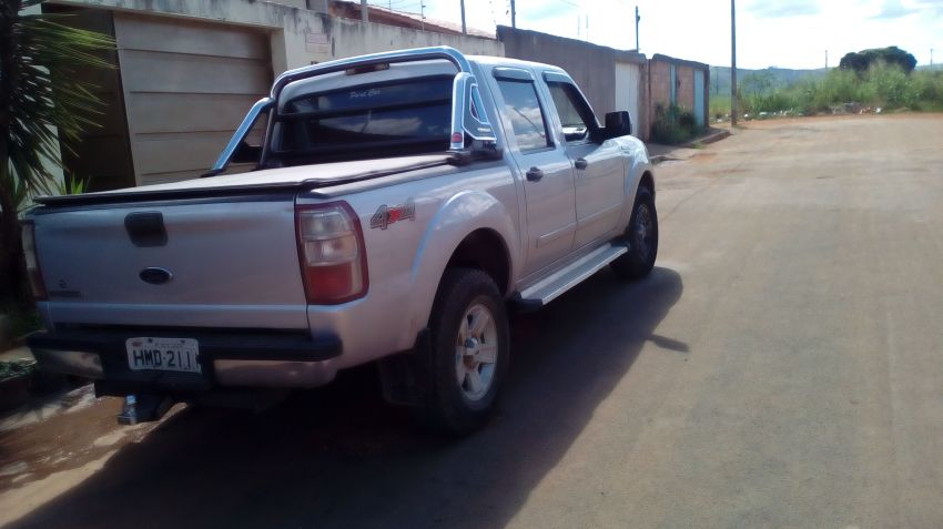 Ford Ranger XL 4x4 3.0 (Cabine Dupla) - Foto #4