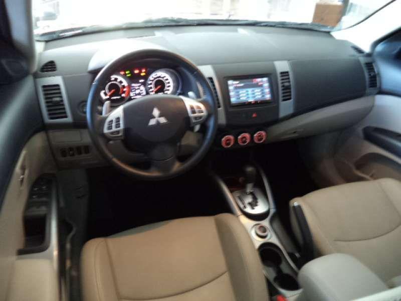 Mitsubishi Outlander 3.0 V6 GT Mid 4WD - Foto #7