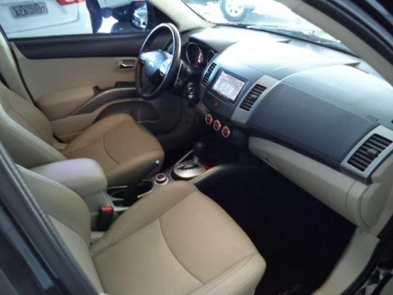Mitsubishi Outlander 3.0 V6 GT Mid 4WD - Foto #9