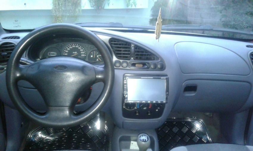 Ford Fiesta Hatch Class 1.0 MPi 4p - Foto #5
