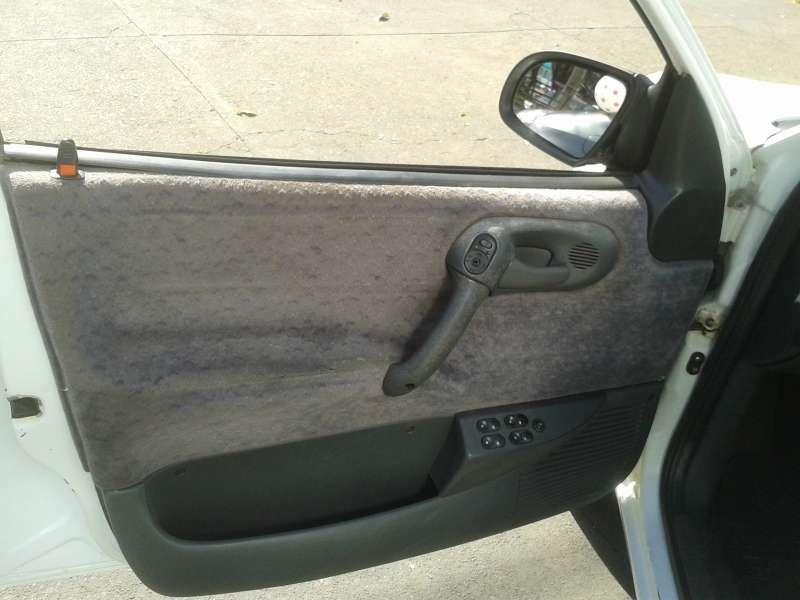 Chevrolet Corsa Sedan GL 1.6 MPFi - Foto #9