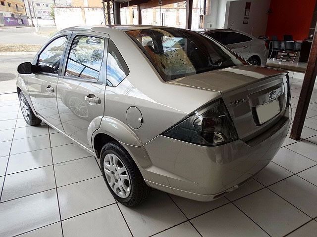 Ford Fiesta Sedan Class 1.6 MPI 8V Flex - Foto #4