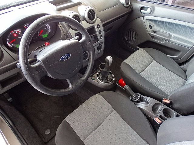 Ford Fiesta Sedan Class 1.6 MPI 8V Flex - Foto #6