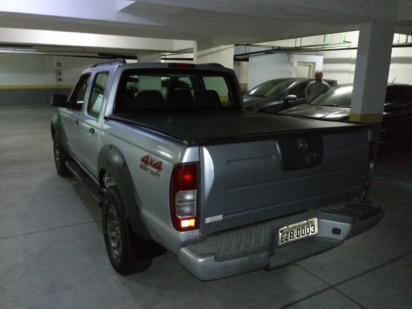 Nissan Frontier XE Attack 4x4 2.8 Eletronic (cab. dupla) - Foto #5
