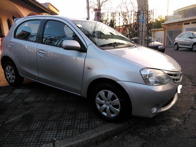 Toyota Etios XS 1.3 (Flex) - Foto #3